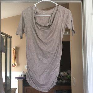Sleeved maternity shirt